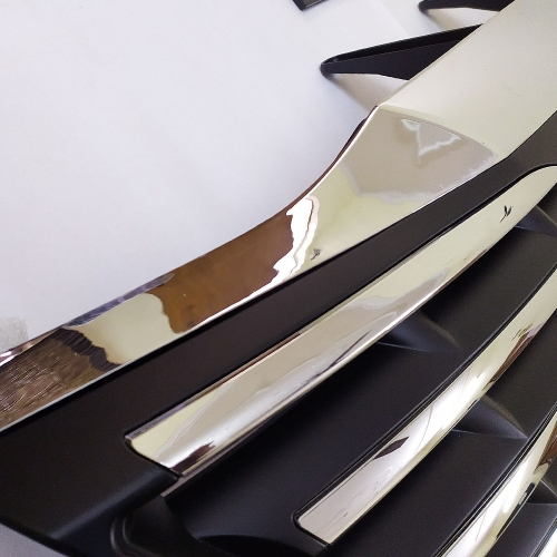High Quality Front Grill Black Glossy with Chrome Line For Toyota Fortuner Old Type 2